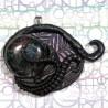 Pendentif tentacule rose goth dark galaxie biomech