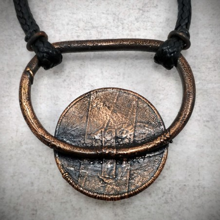 Pendentif cuivre oeil industriel steampunk