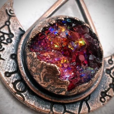 Pendentif cuivre géode cristal rune glyphe cluster rouge boréal mystique ésotérique