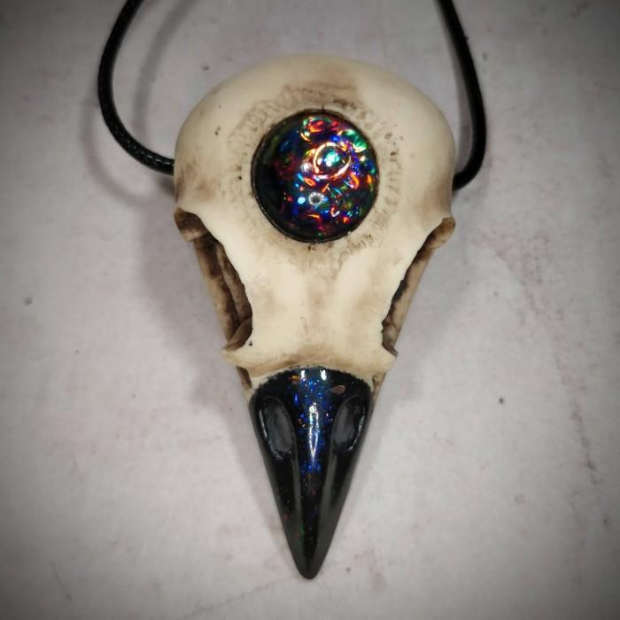pendentif crâne de corneille  boréale corbeau ésotérique 3è œil