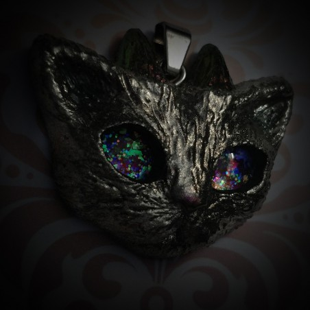 collier chat argenté yeux brillent