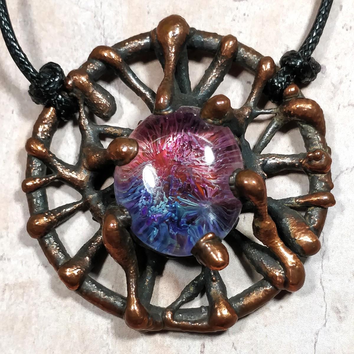 Médaillon cuivre  bulle granite résine motif