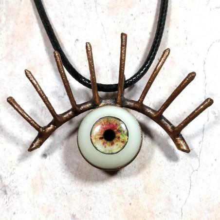 Pendentif sculpture oeil  résine mascara cuivre